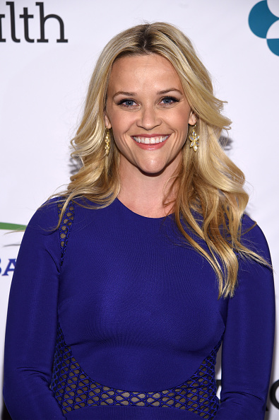 Reese Witherspoon「Entertainment Industry Foundation Presents Stand Up To Cancer's New York Standing Room Only Event With Donors American Airlines, Mastercard And Merck - Red Carpet」:写真・画像(18)[壁紙.com]