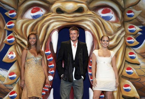戦国武将「Celebrities at Premiere of new Pepsi advertisment」:写真・画像(1)[壁紙.com]