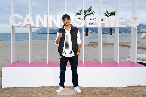 """Fully Unbuttoned「""""When Heroes Fly"""" Photocall - The 1st Cannes International Series Festival」:写真・画像(6)[壁紙.com]"""