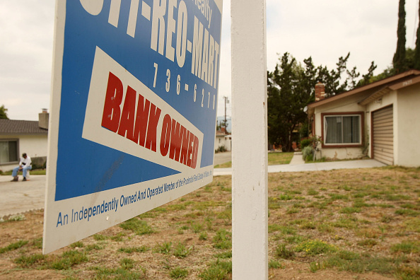 Pasadena - California「New California Law Imposes 90-Day Moratorium On Foreclosures」:写真・画像(18)[壁紙.com]
