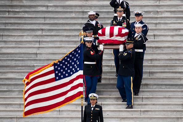 Funeral「President George H.W. Bush Lies In State At U.S. Capitol」:写真・画像(18)[壁紙.com]