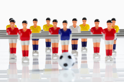 Focus On Background「Figurines of table football」:スマホ壁紙(9)