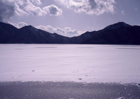 Nikko City「Lake」:スマホ壁紙(2)