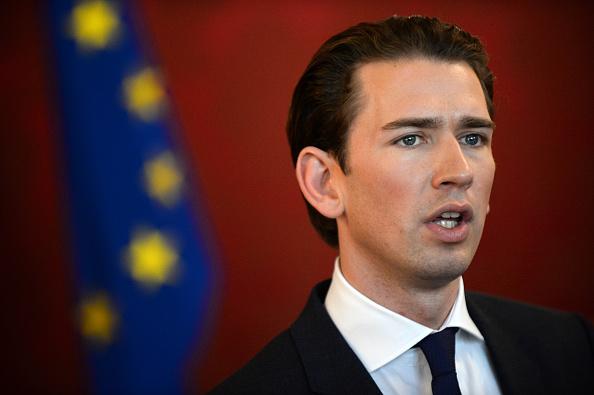 Austria「Austrian President Meets Election Winner Sebastian Kurz」:写真・画像(19)[壁紙.com]