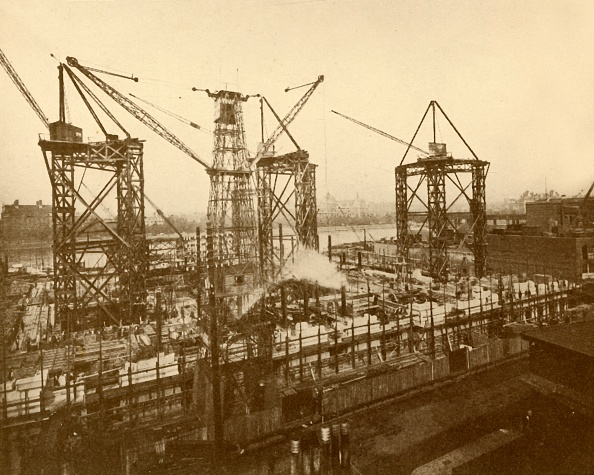 Construction Machinery「Cranes At Work On The London County Hall」:写真・画像(7)[壁紙.com]