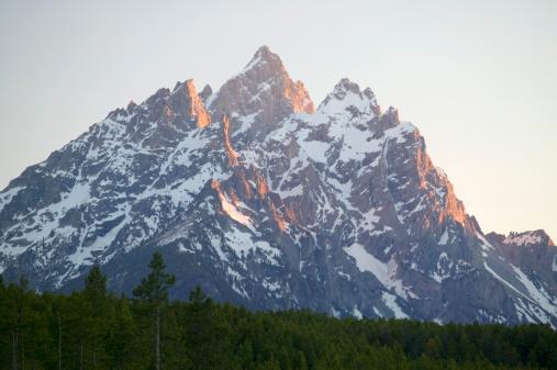 Grand Teton「Grand Teton National Park at sunset, Wyoming, USA」:スマホ壁紙(15)