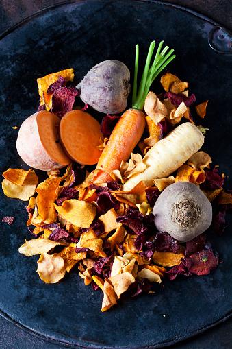 Turnip「Sliced root vegetables and vegetable chips in bowl」:スマホ壁紙(13)