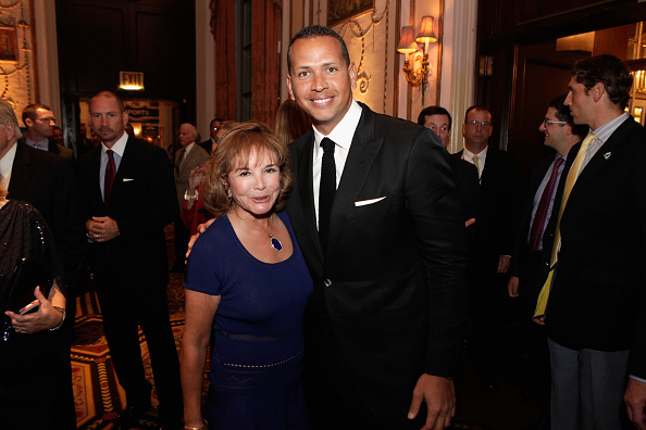 Alex Rodriguez - Baseball Player「29th Annual Great Sports Legends Dinner To Benefit The Buoniconti Fund To Cure Paralysis - Legends Reception」:写真・画像(19)[壁紙.com]