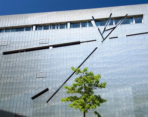 Tree「Jewish Museum in Berlin, Germany, architect Daniel Libeskind」:写真・画像(17)[壁紙.com]