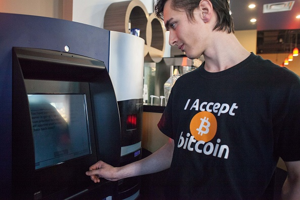 Bitcoin「World's First Bitcoin ATM Debuts In Vancouver, Canada」:写真・画像(6)[壁紙.com]