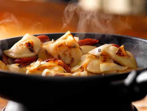 Dumpling「Pan Frying Perogies」:スマホ壁紙(11)