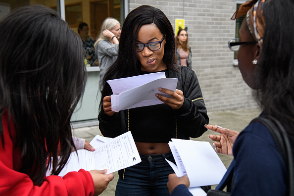 イングランド「Students Receive Their A'Level Results」:写真・画像(15)[壁紙.com]