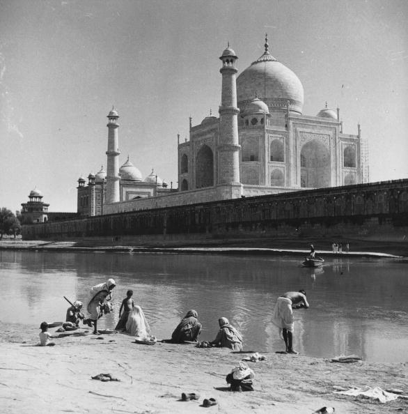 風景「Bathing At Agra」:写真・画像(5)[壁紙.com]