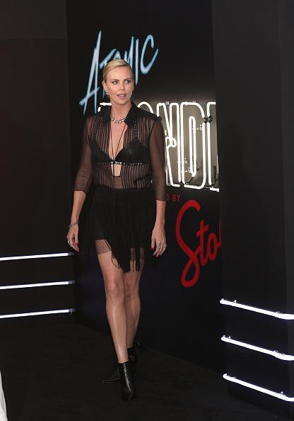 USA「Stoli Vodka And Universal Studios Host Premiere Of 'Atomic Blonde', Starring Oscar Award-Winning Actress Charlize Theron」:写真・画像(13)[壁紙.com]