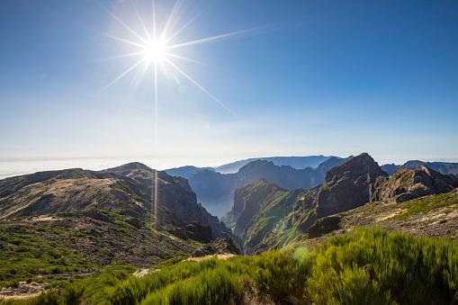 Pico Do Arieiro「panoramic mountain view」:スマホ壁紙(2)
