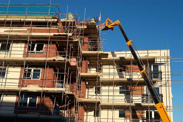 Finance and Economy「Lifting crane with a load, Ipswich, UK」:写真・画像(14)[壁紙.com]
