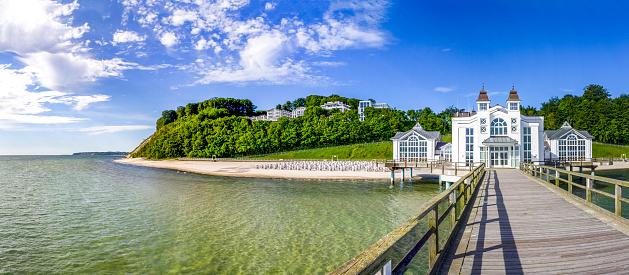 Footbridge「Germany, Mecklenburg-Western Pomerania, Ruegen, Sellin, Sellin Pier」:スマホ壁紙(4)