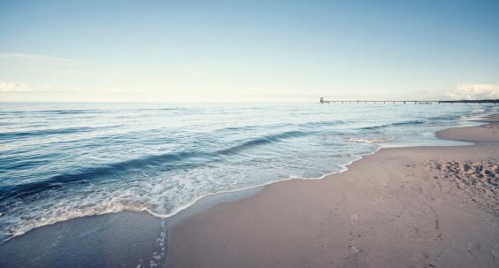 波「Germany, Mecklenburg-Western Pomerania, Usedom, waves on the beach」:スマホ壁紙(8)