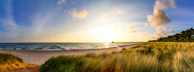 Peninsula「Germany, Mecklenburg-Western Pomerania, Zingst, beach at sunset」:スマホ壁紙(10)