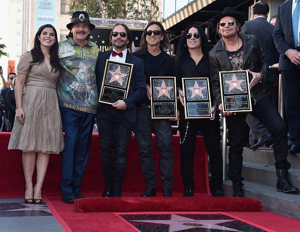 ミュージシャン カルロス・サンタナ「Mana Honored With Star On The Hollywood Walk Of Fame」:写真・画像(10)[壁紙.com]