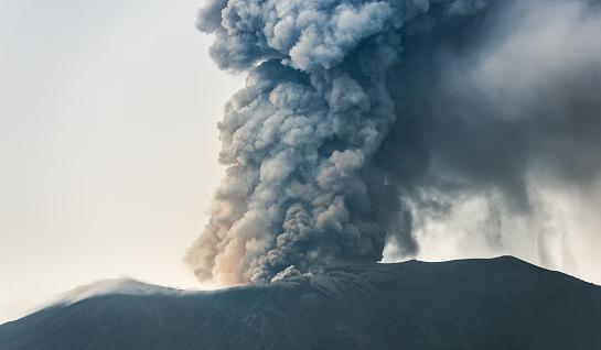 Mt Agung「北観バリ島火山マウント アグン山の噴火」:スマホ壁紙(9)