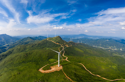 A Helping Hand「Uphill wind power station」:スマホ壁紙(1)