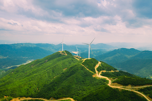 A Helping Hand「Uphill wind power station」:スマホ壁紙(4)