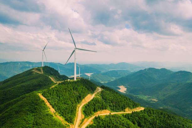 Uphill wind power station:スマホ壁紙(壁紙.com)