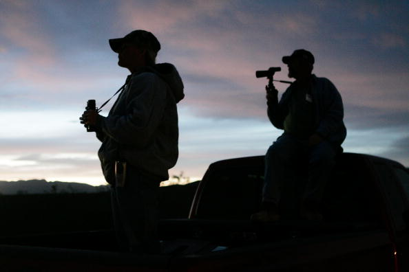 Vigilante「Volunteers Patrol Arizona Border For Illegal Immigrants」:写真・画像(19)[壁紙.com]