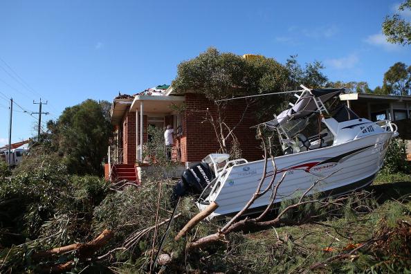 Damaged「Clean Up Commences After Severe Storms Hit Perth」:写真・画像(16)[壁紙.com]