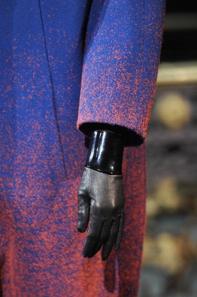 Glove「John Galliano - Runway -PFW F/W 2013」:写真・画像(13)[壁紙.com]