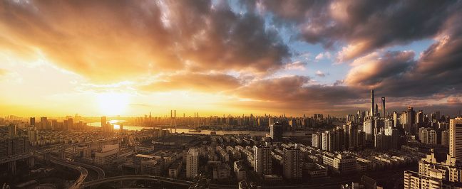 Elevated Road「Aerial of City of Shanghai at sunset looking west」:スマホ壁紙(17)