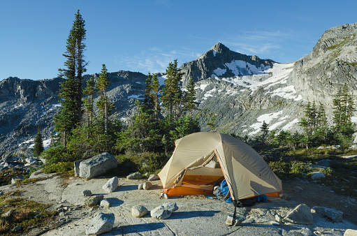 British Columbia Coast Mountains「Backcountry camp Coast Mountains British Columbia」:スマホ壁紙(17)
