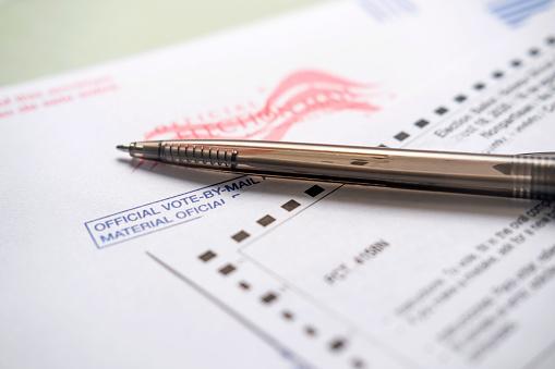 Voting Ballot「Voting ballot and pen」:スマホ壁紙(17)