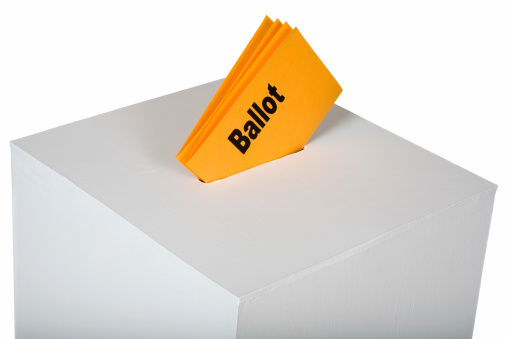 Polling Place「Voting ballot inserted in ballot box」:スマホ壁紙(1)
