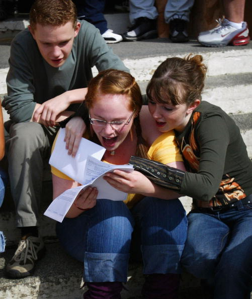 A-Levels「Record Numbers Of Students Celebrate A-Level Passes」:写真・画像(8)[壁紙.com]