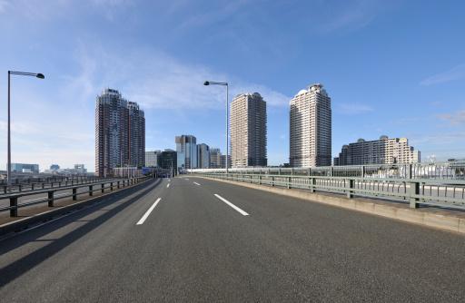 Japan「Nozomi bridge and skyline, Minato ward, Tokyo Prefecture, Honshu, Japan」:スマホ壁紙(5)