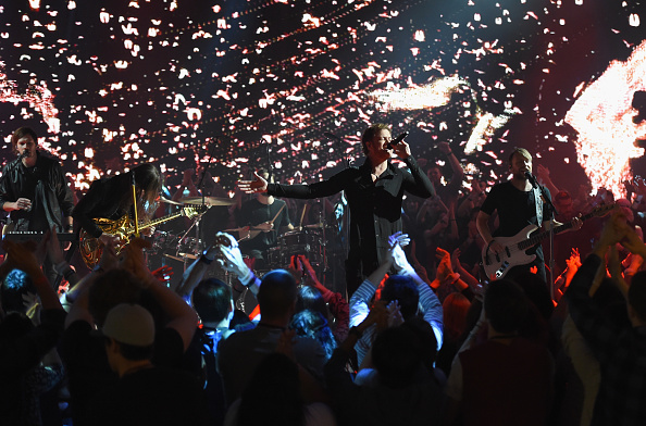 Journey「Imagine Dragons And Target Partner For A Live Commercial Performance During Music's Biggest Night On CBS」:写真・画像(6)[壁紙.com]
