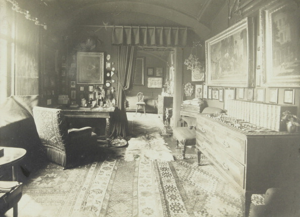 1890-1899「Stübing. Styria. Suite Of Rooms In The Castle Stübing. About 1890. Photograph.」:写真・画像(12)[壁紙.com]