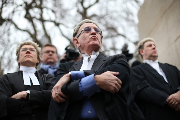 Lawyer「Lawyers Walk Out Over Legal Aid Cuts」:写真・画像(1)[壁紙.com]