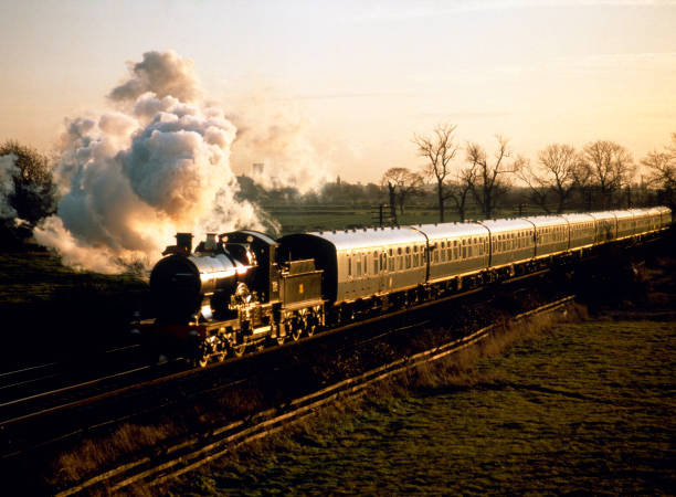 Dickens Festival Express.No. 3440 City Of Truro at Haxby with the afternoon train from York to Scarborough. 20.12.1986.:ニュース(壁紙.com)