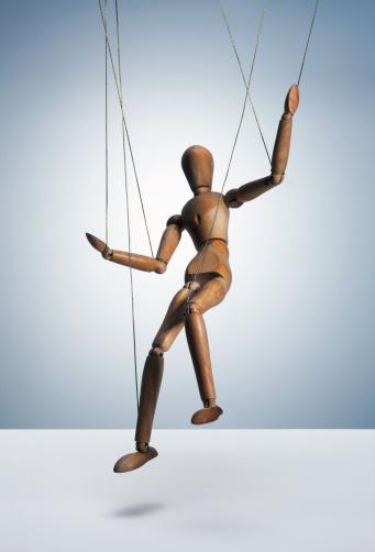 Marionette「Wooden man on strings」:スマホ壁紙(5)