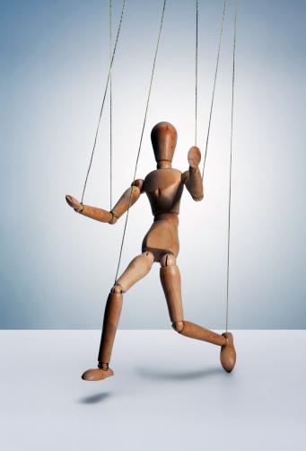 Marionette「Wooden man on strings」:スマホ壁紙(11)
