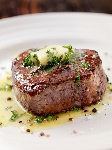 Beef「Medium Rare Fillet Mignon Steak with Herb Garlic Butter」:スマホ壁紙(16)