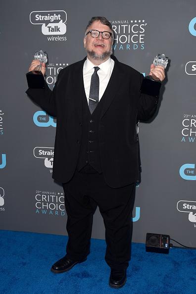 下襟「The 23rd Annual Critics' Choice Awards - Press Room」:写真・画像(18)[壁紙.com]