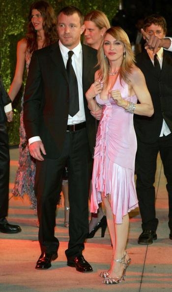 Metallic Shoe「Vanity Fair Oscar Party」:写真・画像(1)[壁紙.com]