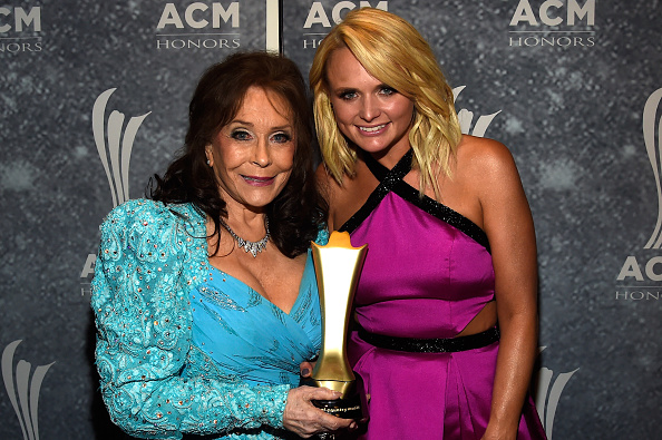 上半身「9th Annual ACM Honors - Backstage And Audience」:写真・画像(18)[壁紙.com]
