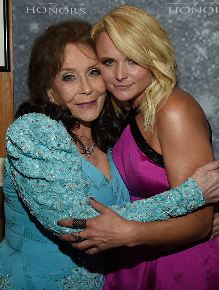 上半身「9th Annual ACM Honors - Backstage And Audience」:写真・画像(3)[壁紙.com]