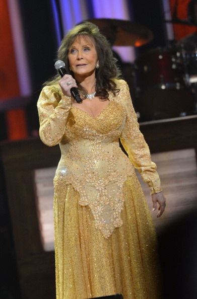 Rick Diamond「Loretta Lynn Celebrates Her 50th Anniversary With The Grand Ole Opry - Show」:写真・画像(11)[壁紙.com]