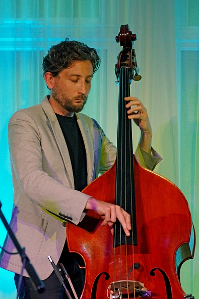 楽器「Ferg Ireland, Watermill Jazz Club, Dorking, Surrey, 26th July 2016」:写真・画像(7)[壁紙.com]